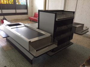 Double Sided Checkout Counter with Conveyors