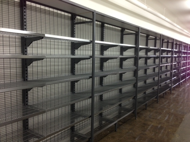 Single Sided Gondolas with Capping Shelves
